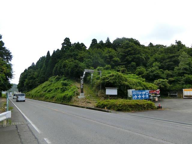 「関ヶ原の戦い」で徳川家康が布陣したと言われる桃配山。...
