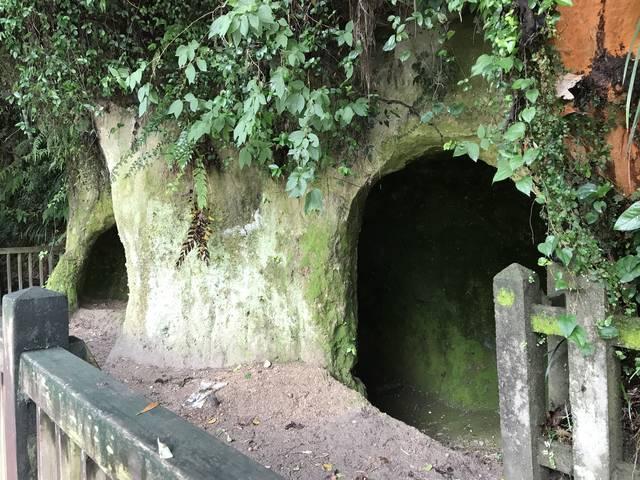西郷隆盛洞窟(岩崎谷)