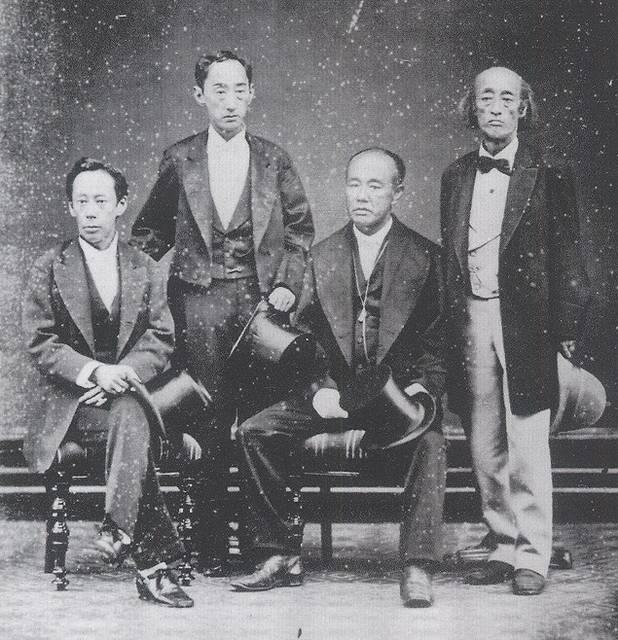 1878年9月に撮影された 「高須四兄弟肖像」※左から...