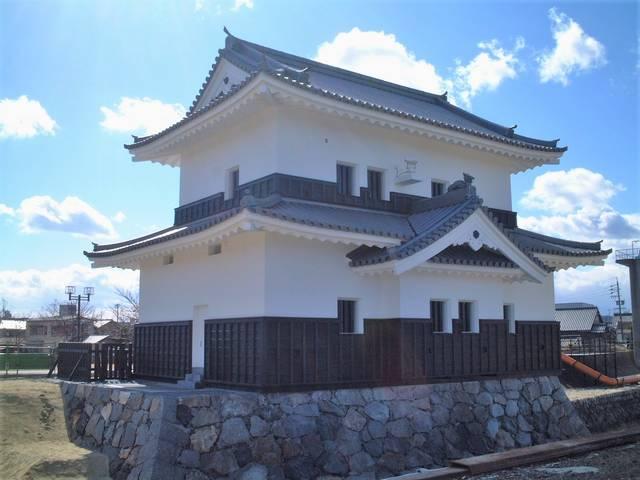 桑名城の蟠龍櫓(復元)