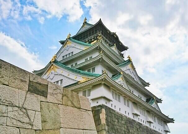 現在の大阪城天守閣は昭和にコンクリートで造られたもの