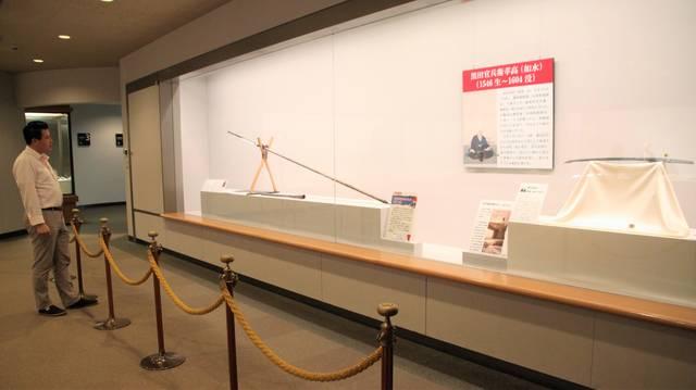 同館「黒田家名宝展示」コーナーに展示されている大身鎗 ...