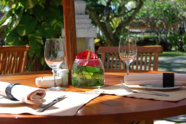 テラスで食事|写真素材なら「写真AC」無料(フリー)ダウンロードOK (7274)