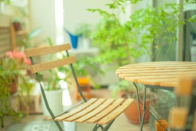 テーブルと椅子2|写真素材なら「写真AC」無料(フリー)ダウンロードOK (11336)