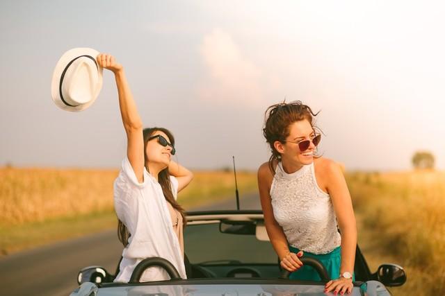 女子同士の人間関係で悩んでいる方へ。周りを気にせず笑顔で過ごせる方法