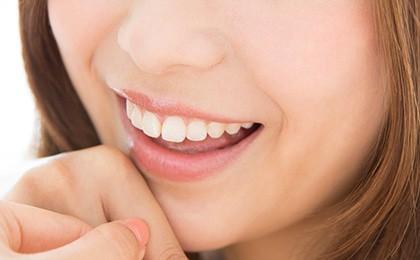 美人は口元から♡理想の歯並び・歯の色・歯茎のポイントとは?