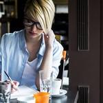 職場の人間関係で孤立していると感じたら実践したい7つのこと