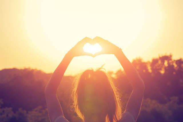 好きな人と話せるおまじない5選。恋のきっかけを作る方法