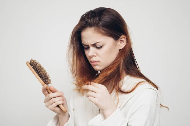 実は悩んでる女性多数!抜け毛対策を徹底解説【PR】