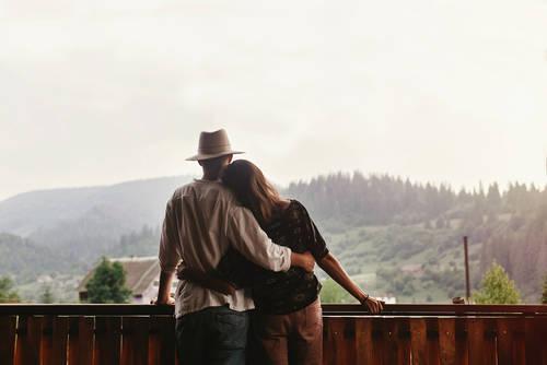 自尊心が低いとなぜうまくいかない?自尊心を高めて恋愛上手になる方法