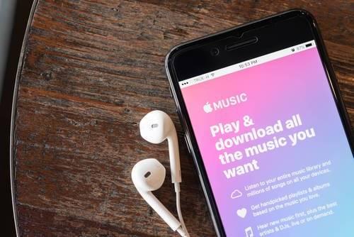 iPhoneで音楽をダウンロードするには