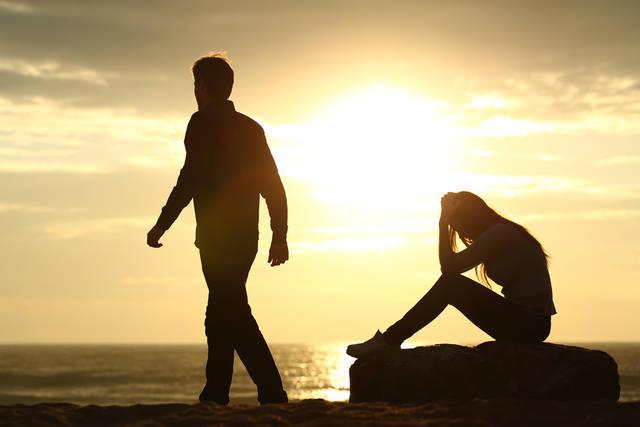 別れの前兆5選!彼氏が別れる前に見せる行動と解決方法とは?