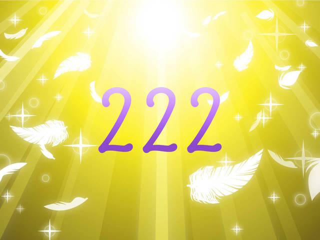 エンジェルナンバー222の意味-恋愛や復縁など天使からのメッセージ-