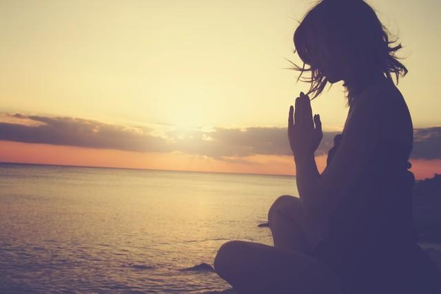 浄化するには、瞑想をする