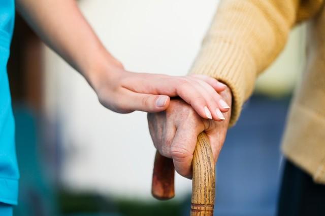 親の介護問題!アラサ―女子が考えておきたいポイント