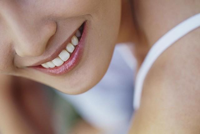 歯から美人になれちゃう!?「審美歯科」って何ですか?