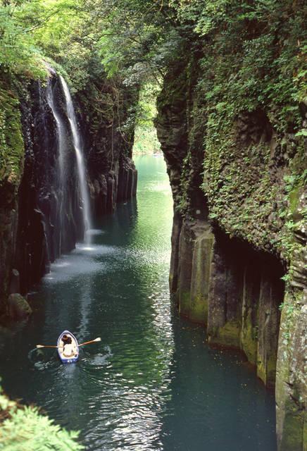 九州のパワースポットといえば、高千穂九州のパワースポット、高千穂峡