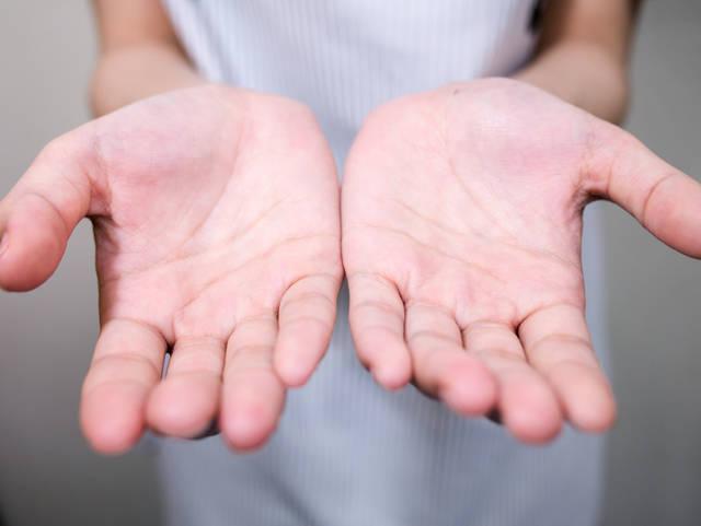 手相の見方!未来の運勢は男が左手で女が右手?