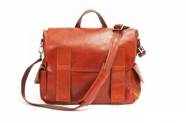 金運が上がる人の生活習慣【財布をかばんの中に入れっぱなしにしない】