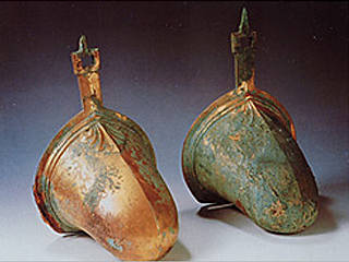 金銅製壷鐙