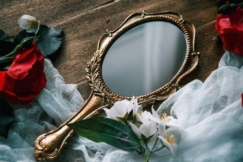 結婚運をアップさせるなら鏡に注意