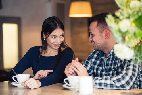 婚活パーティで使える会話テクニック|話を聞いている時は、必ず相槌をうつ