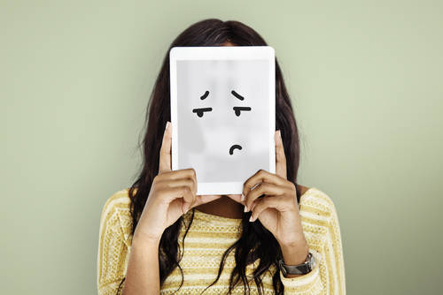 天王星人の基本的な性格の特徴1|感情や人情で判断をする