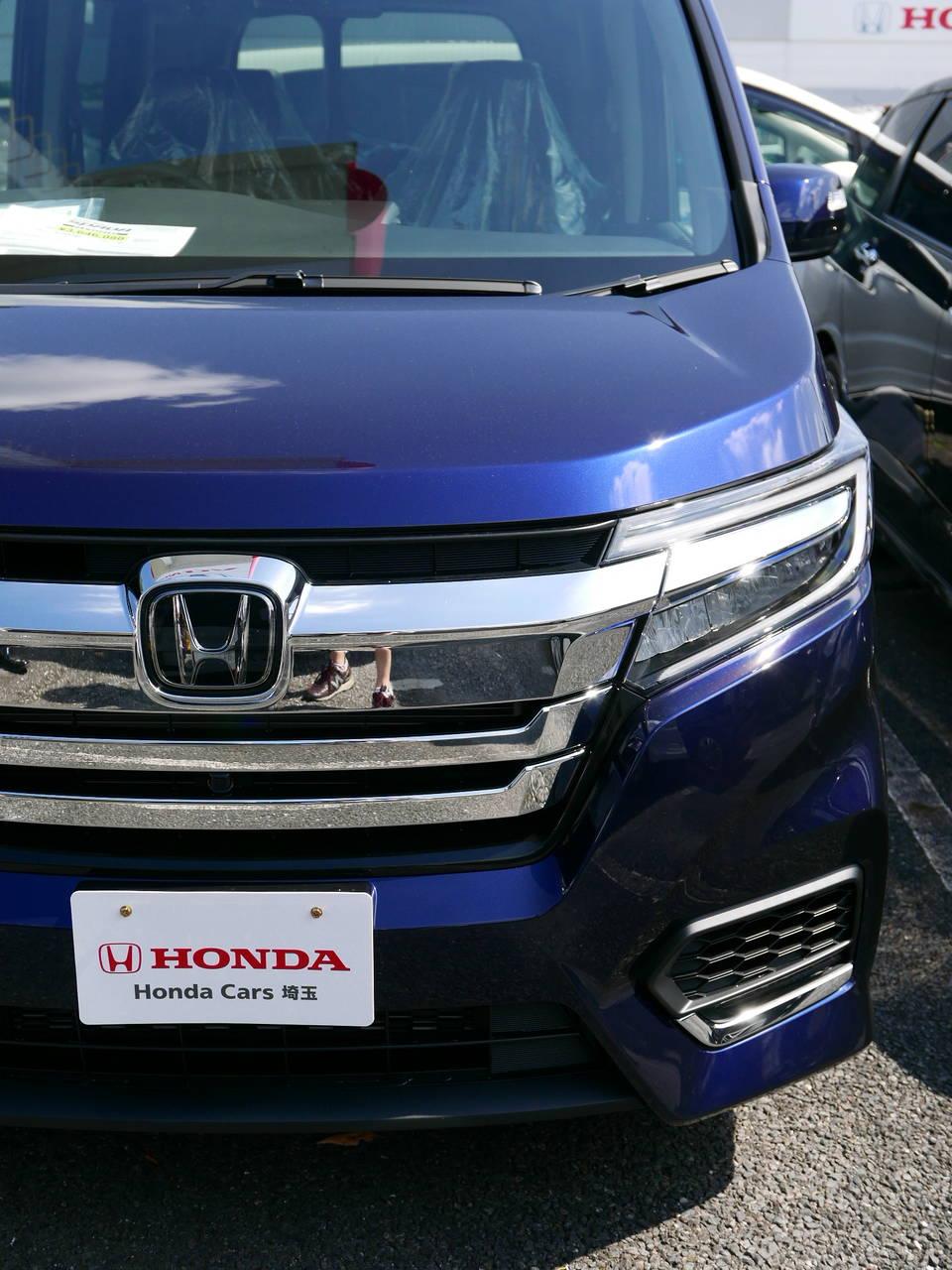 試乗インプレ!かっこいいじゃん!ホンダステップワゴンハイブリッドの価格は313万円から!燃費は25km/L!
