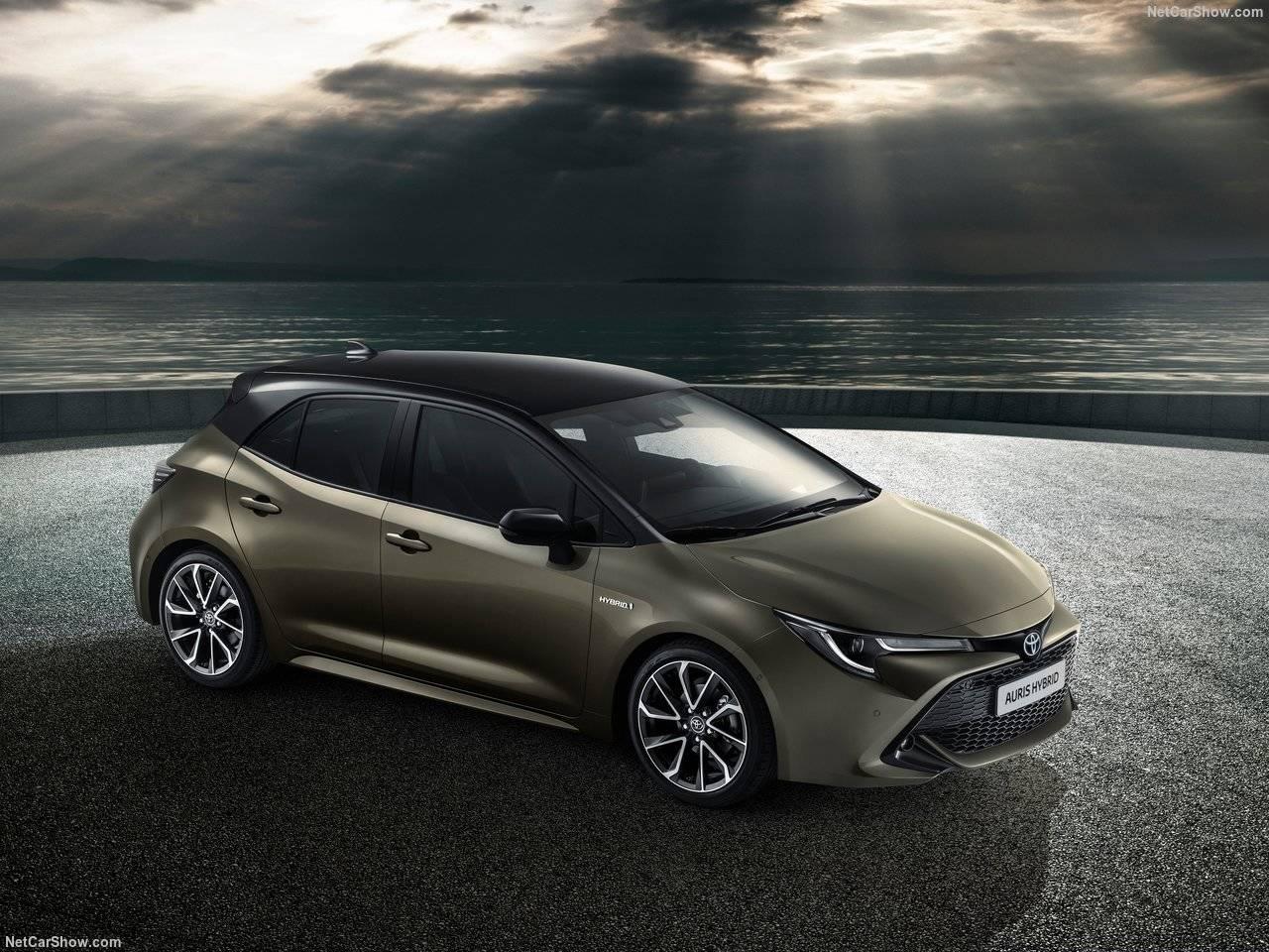 ついに新型トヨタ オーリスがフルモデルチェンジ!明らかになったエクステリア。新パワートレーンや内装はいかに?