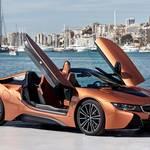 BMW i8ロードスターが5月に登場予定。新しくなったi8のデザイン・スペックを解剖します。