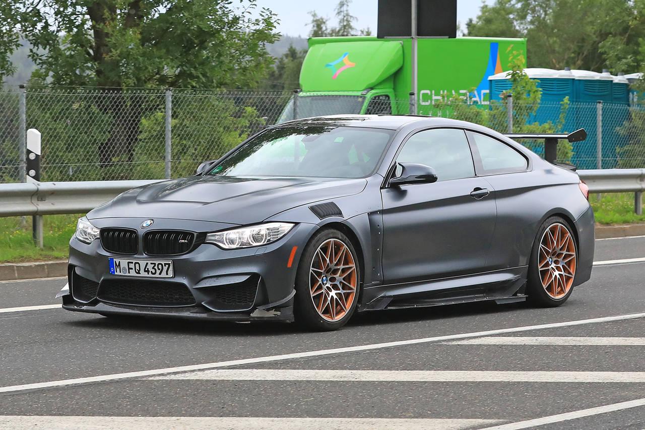 BMW「M4 GTS」これが噂の「CSL」か!?過激武装した謎のモデルを目撃
