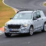 メルセデス新型オフローダー「GLB」、本格的ボクシースタイルをニュルで披露!価格は3万ユーロ?!