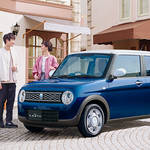 スズキ アルトラパン特別仕様車「モード」を発売開始。助手席に乗るのは誰?