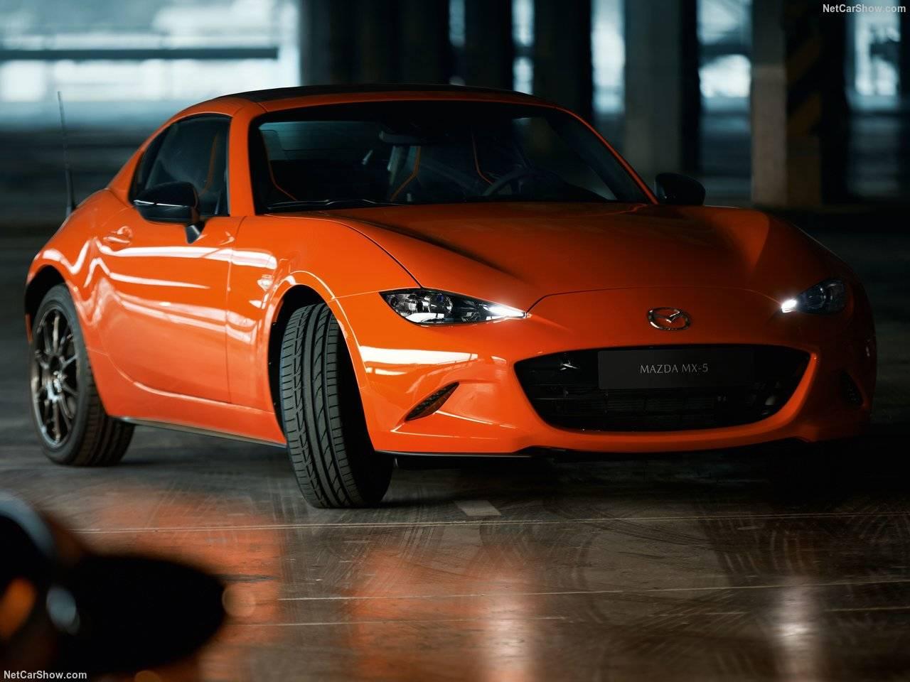 世界で3000台の30周年記念モデル、マツダロードスター!