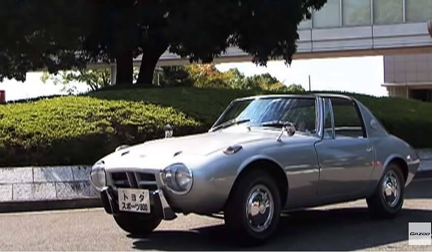 その昔、こんなシンプルなスポーツカーがありました!トヨタスポーツ800は今も愛され続けています!