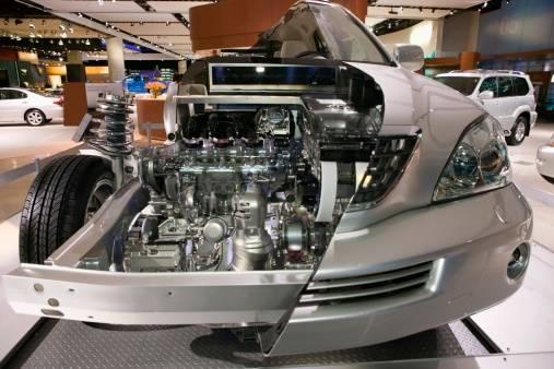 Cutaway 2005 Lexus with Hyb...