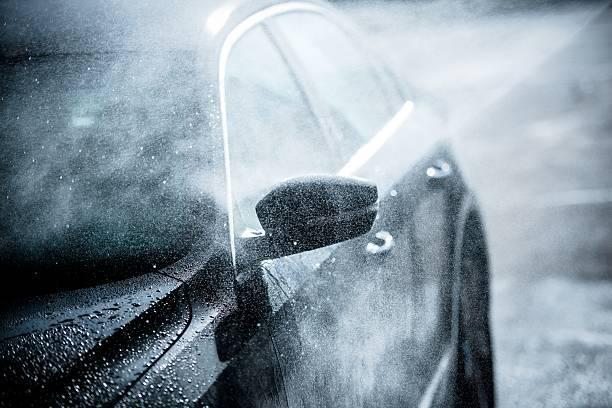 雨の日に洗車はOK?!あえて雨の日に洗車をするメリットは?