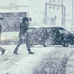 雪が降ったらノーマルタイヤでの車の運転は法令違反になる?! 雪が降った時忘れがちなこと