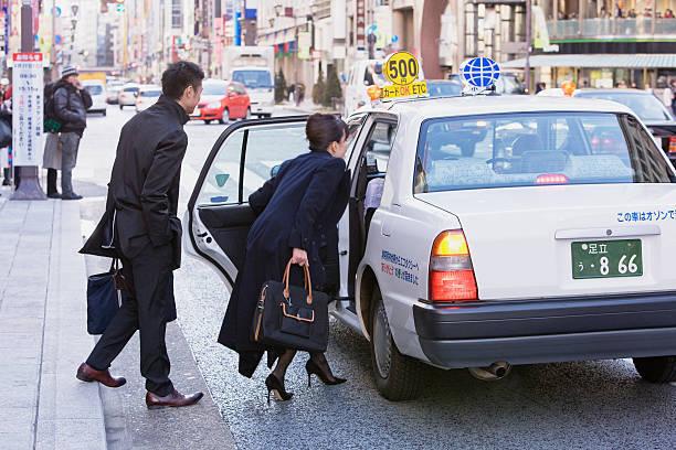 自動運転車がドライバーの雇用に与える影響は「若干」。でも、対応する勉強は必要!