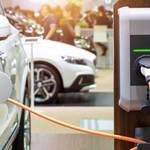電気自動車のダークな面。バッテリーに使われるコバルトは、アフリカ・コンゴ民主共和国での違法採掘によって支えられている