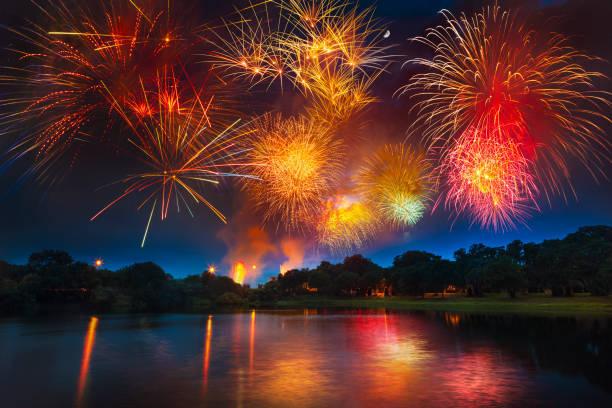 アメリカ独立記念日を祝う花火祭り