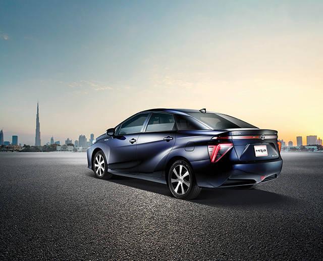トヨタ自動車、アラブ首長国連邦(UAE)での水素社会実現へ向けた共同研究に参画-2017年5月より、燃料電池車MIRAIでの実証実験をUAEにて開始-
