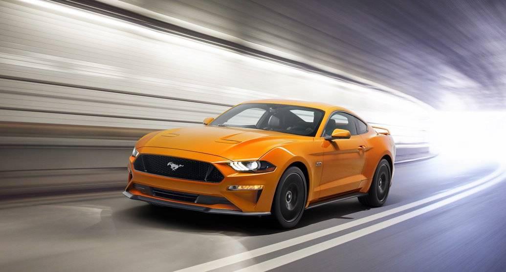 2018年のフォードマスタングが明らかに!V6を失い、よりパワフルなV8を獲得