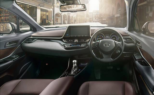TOYOTA、新型車C-HRを発売 | トヨタグローバルニュースルーム (3282)