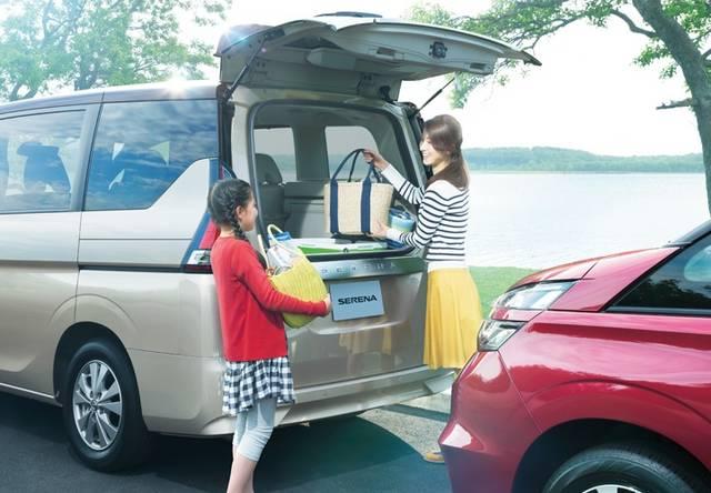 日産:セレナ [ SERENA ] ミニバン/ワゴン | 機能・快適性 | 収納・ラゲッジルーム (3361)