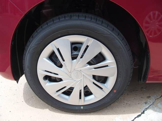 試乗グレードに装着されていたタイヤは155 65R14...