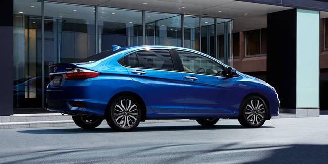 デザイン・カラー|スタイリング|グレイス|Honda (12327)