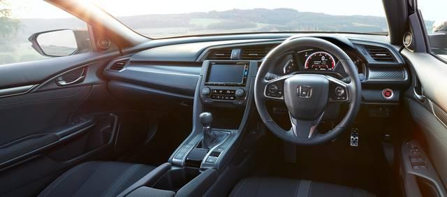 デザイン・カラー|インテリア|シビック ハッチバック|Honda (12628)