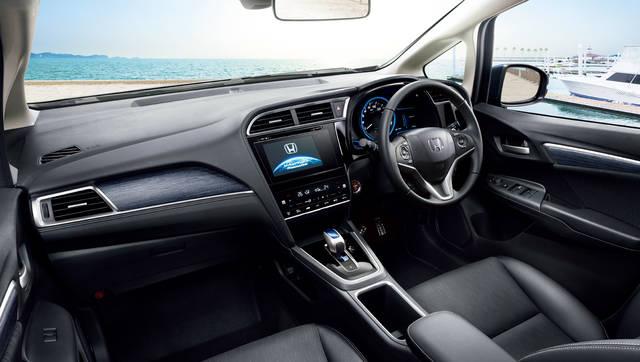 デザイン・カラー|インテリア|シャトル|Honda (13080)