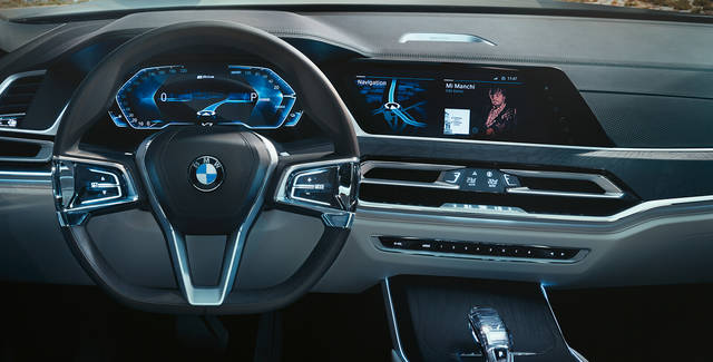 BMW X7 Concept iPerformance - Concept Vehicle - BMW USA (15078)
